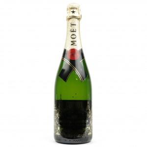 Moet & Chandon Brut NV Champagne / Limited Edition
