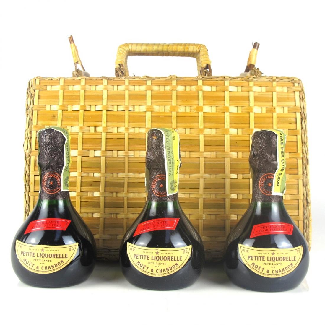 Moet & Chandon Petite Liquorelle Petillante 3x20cl / Wicker Hamper